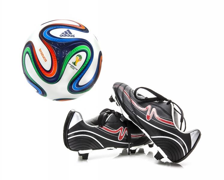7883033-adidas-brazuca-world-cup-2014-football